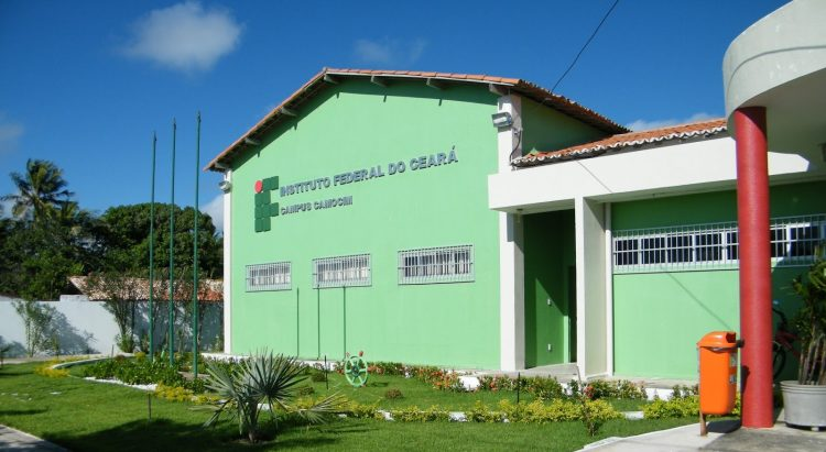 Fachada do Instituto Federal do Ceará (IFCE), campus camocim