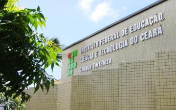 Fachada do prédio do Instituto Federal de Educação e tecnologia do Ceará.