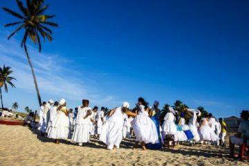roda de pessoas praticantes da umbanda