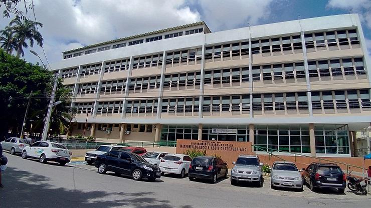 Fachada da Maternidade Escola Assis Chateaubriand, uma das sedes da ESBERH no Ceará