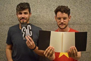 Os editores e dramaturgos Assis Benevenuto e Vinícius Souza