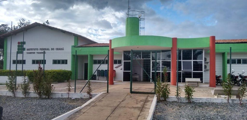 fachada do ifce de tianguá
