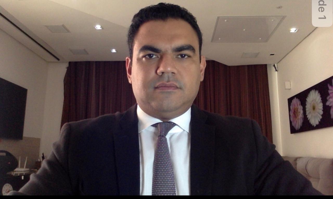 Bruno Vaz Carvalho de perfil