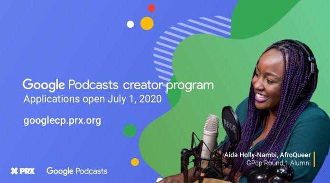 Google Podcasts - a peça gráfica contém informações em inglês sobre o programa Google Podcasts (nome e data de abertura das inscrições - 1º de julho). No canto direito, há a foto da podcaster Aida Holly-Nambi, que sorri em frente a um microfone