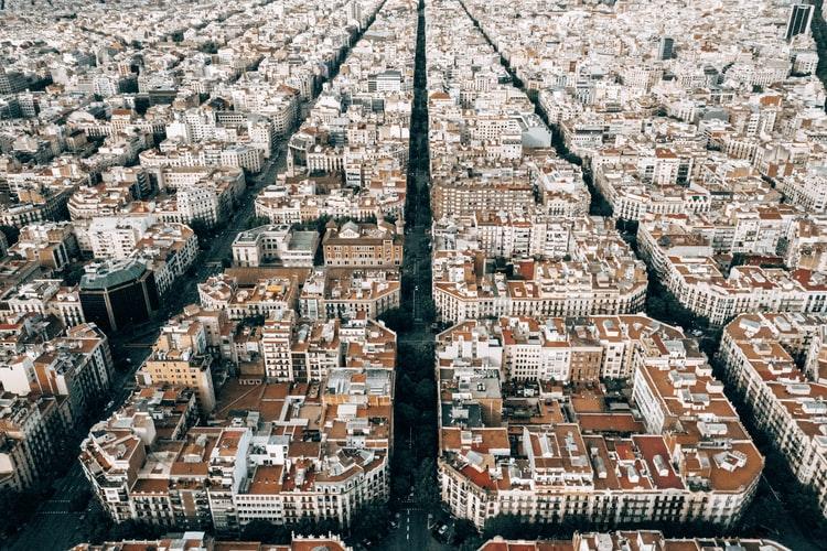 Smart cities: na foto, a vista aérea de Barcelona, líder em gestão urbana